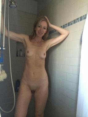 lingerie curly Chained shower