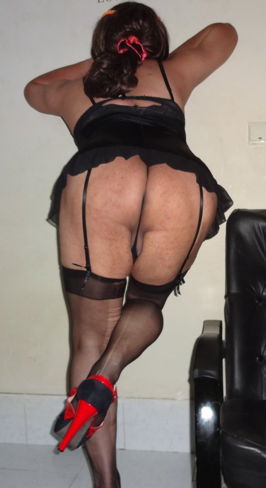 amateur Sissy lingerie doggystyle