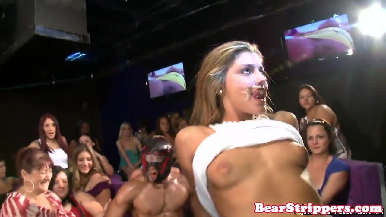 uncensored Party babe mouth cum