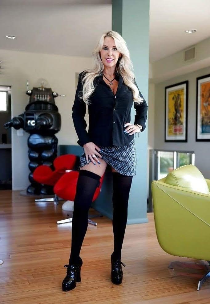 Porn Clip Gay office street high heels