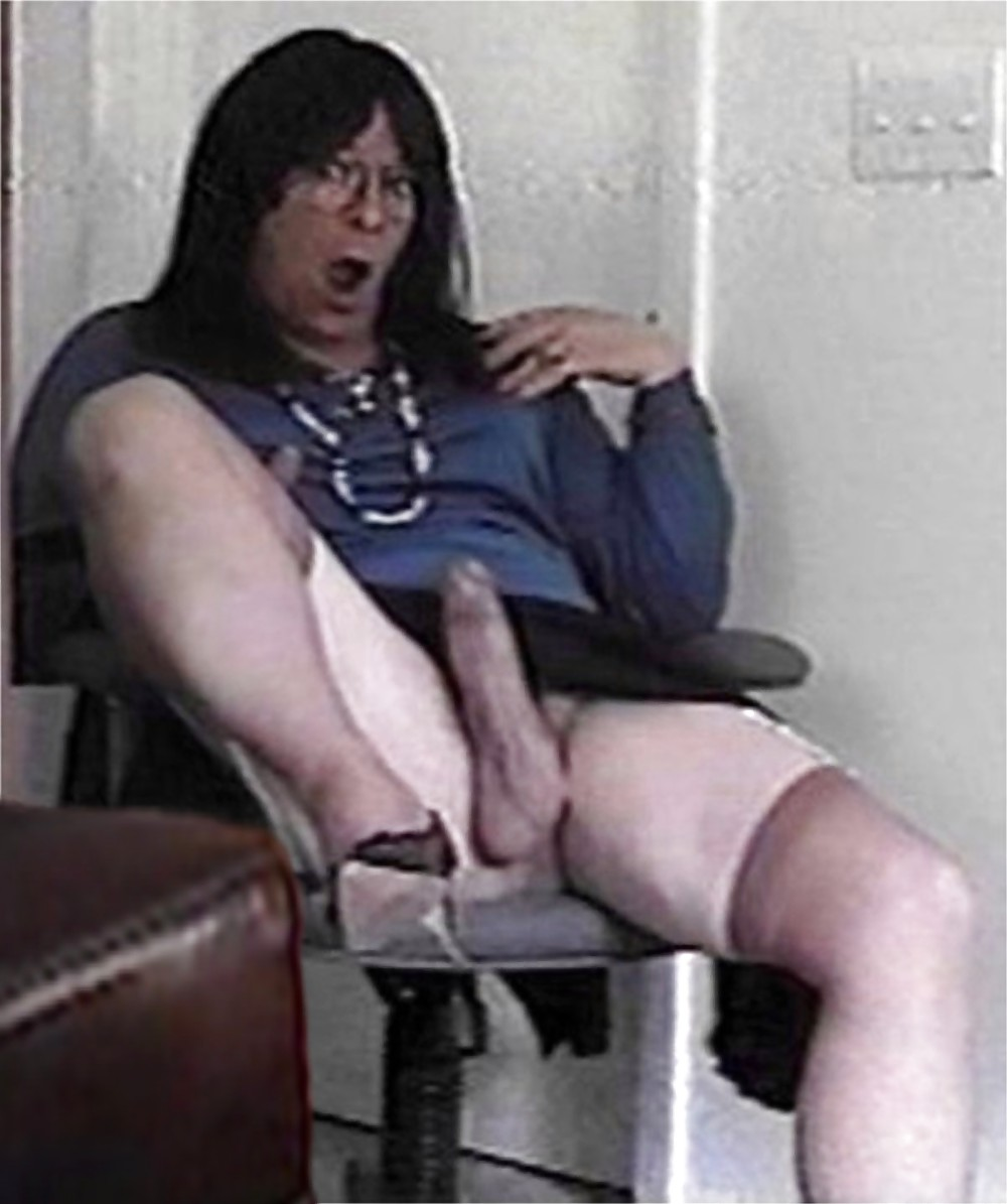 upskirt Crossdresser babe otngagged