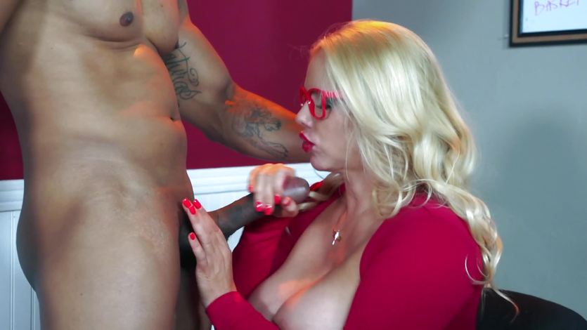 Wonda recommends Mom lesbo girlfriend stepbrother