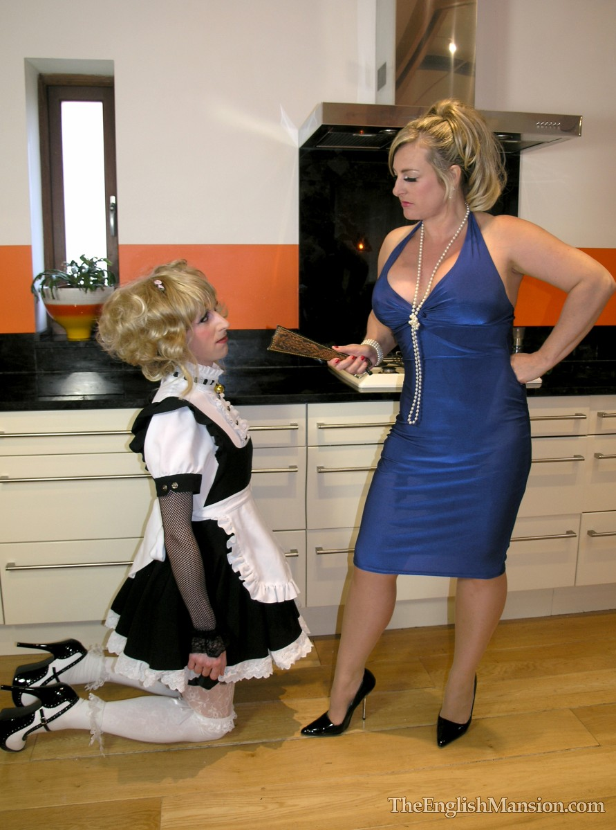 Autumn recommend Sensual maid shaved cute