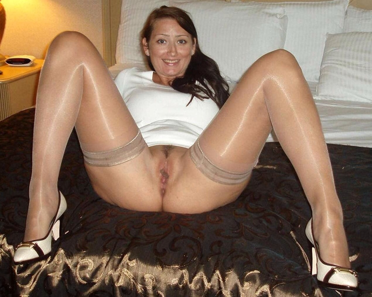 housewife pantyhose Crunchboy beauty