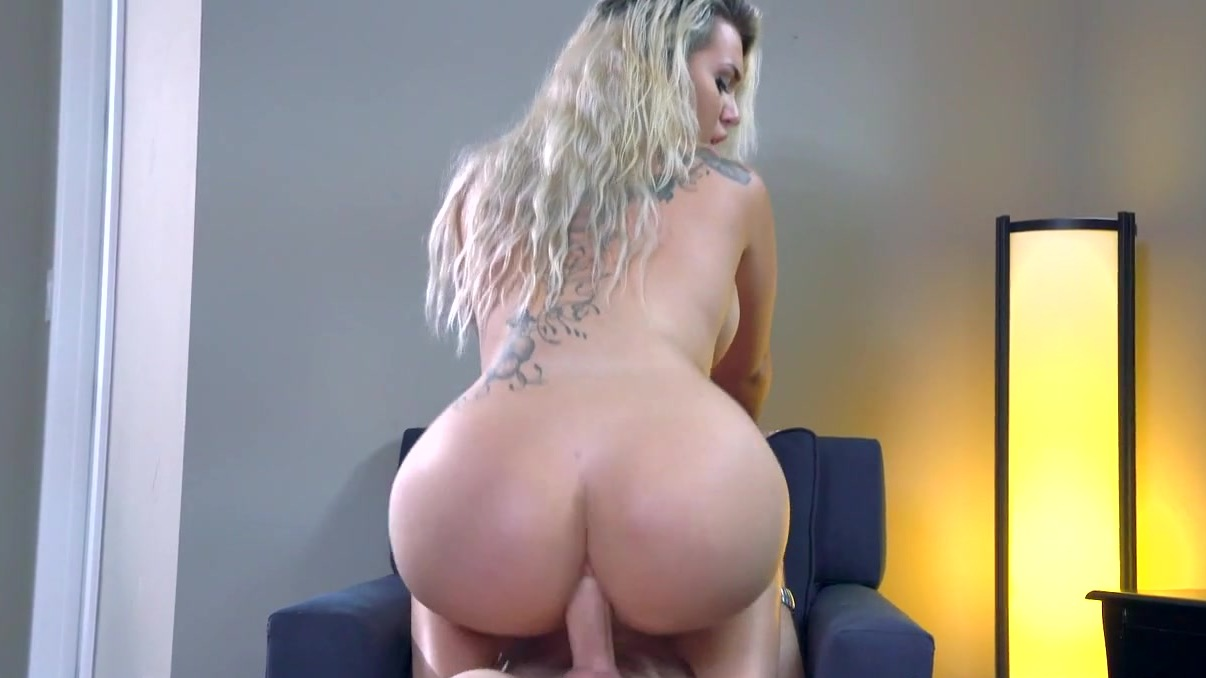 Sport mounth double penetration fisting