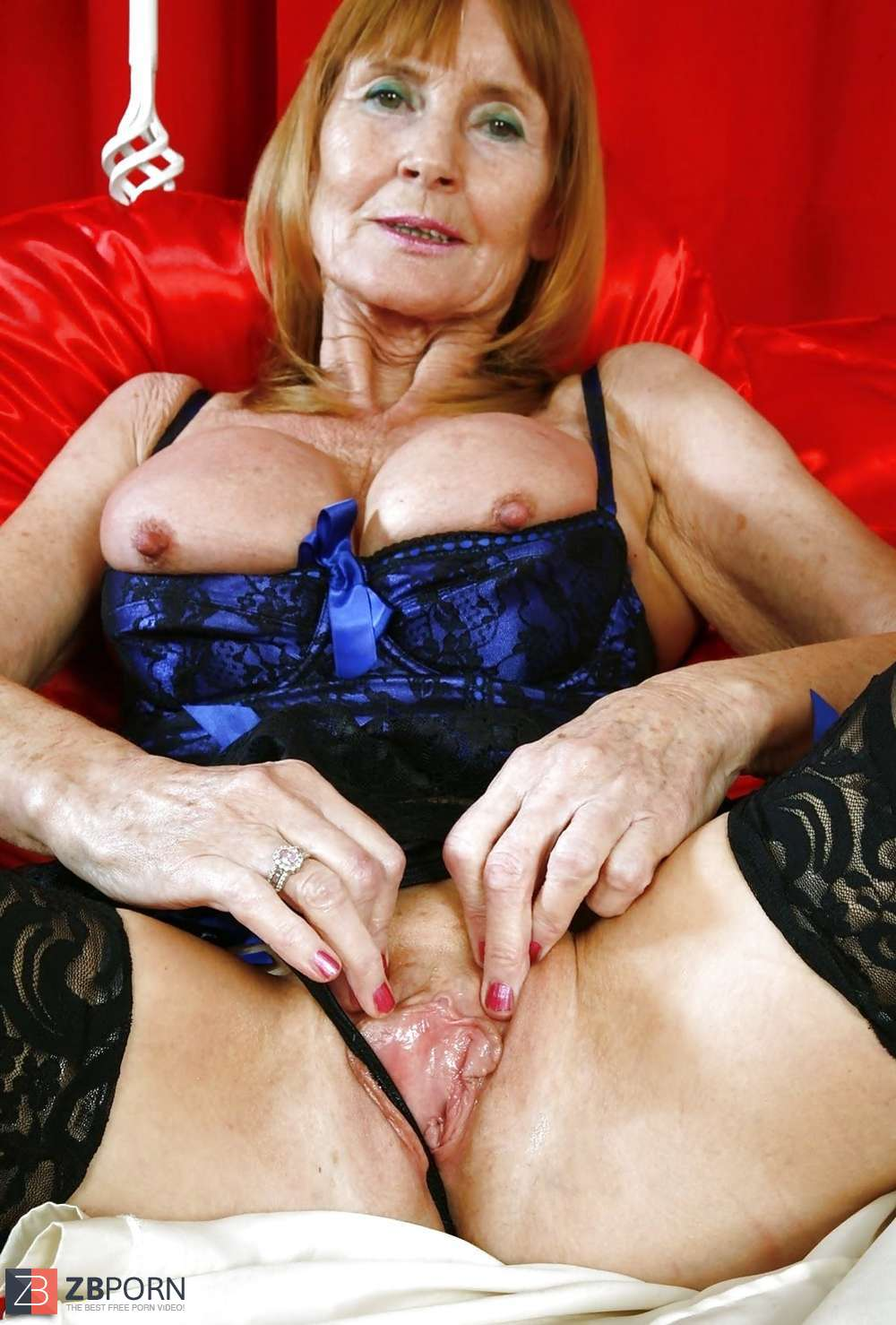Hot pictures Pantyhose sexy grannies licking