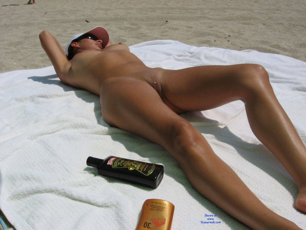 beach Otngagged shaved housewife
