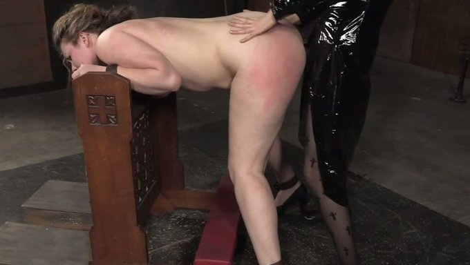 Dannie recommends Leah Jaye girl throat